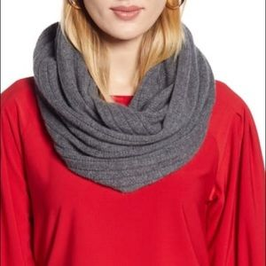 Halogen 100% Cashmere Solid Infinity Scarf